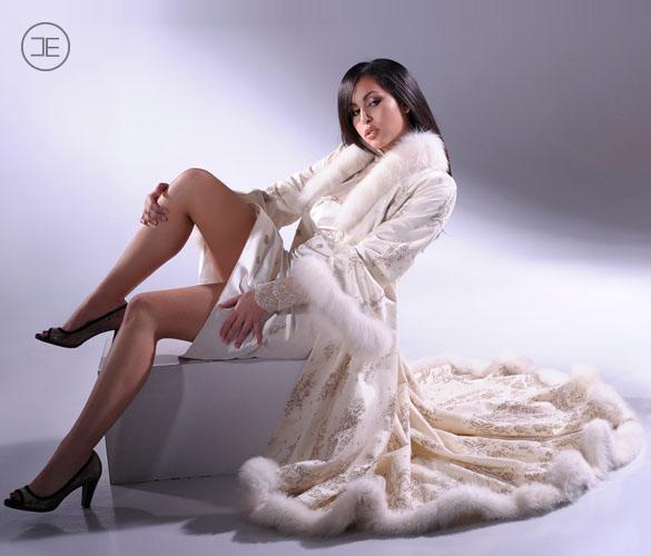 Création sur mesure - Mon savoir faire - Elvisa JASAK - Paris - Femme élégante