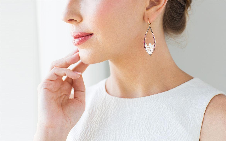 Boucles d'oreilles pendantes - Elvisa JASAK - Paris
