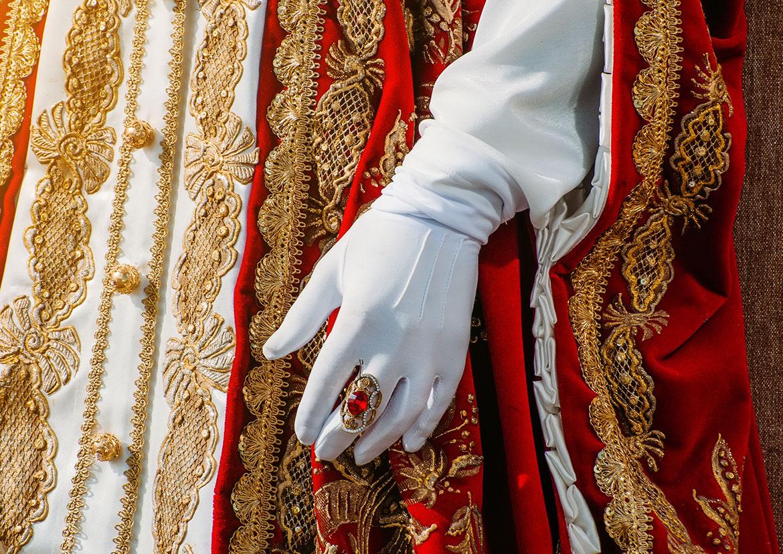 Le gant– objet symbolique et instrument social