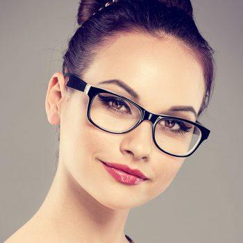 Les lunettes - La monture parfaite pour un regard séducteur - Elegance - Elvisa JASAK - Paris