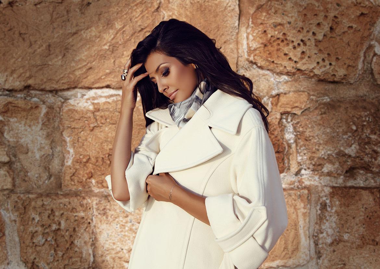 La veste et le manteau - des vêtements qui disent tout de vous - Femme élégante - Elvisa JASAK - Paris