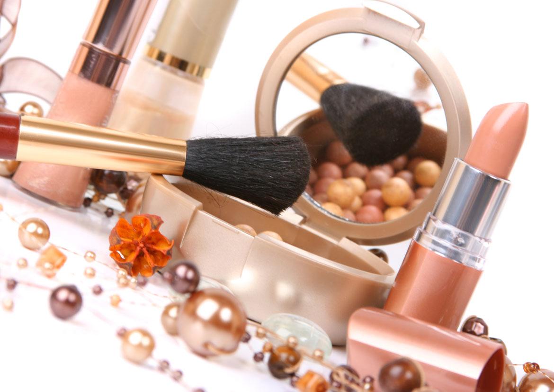 Maquillage - L'importance de l'hygiène dans l'apparence - Elvisa Jasak - Paris