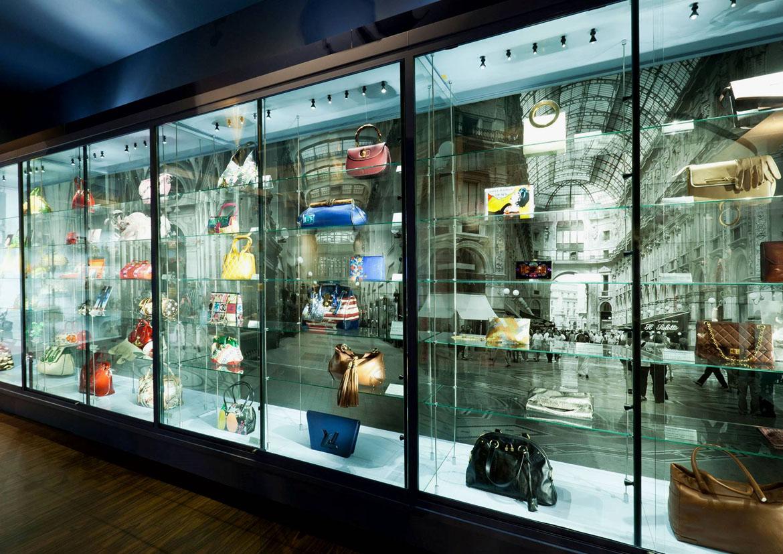 Le sac à main - un objet de mode dominant - Musée des sacs Hendrikje - Tassenmuseum Hendrikje - Elvisa JASAK - Paris