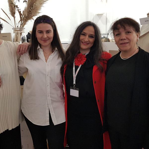 Prof. Claudine Degryse - Étudiante Jeanne Bourdé - Jury Elvisa Jasak - Prof. Cristina Labat - ESMOD Paris