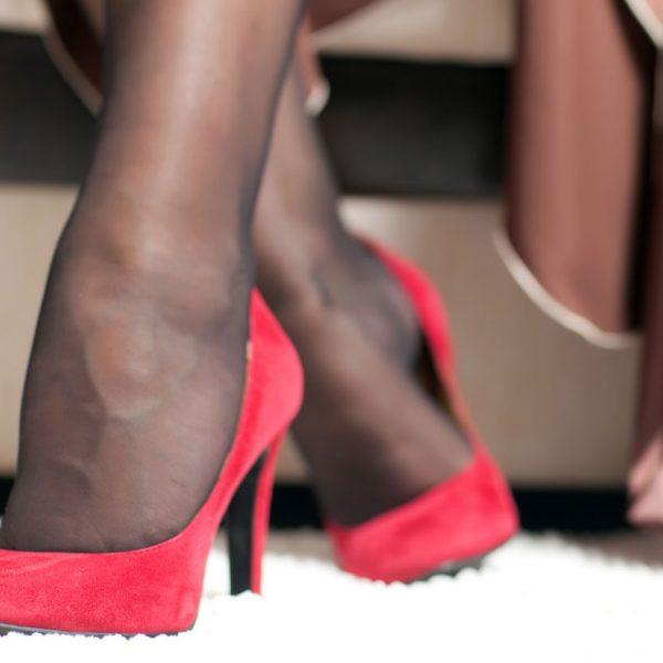 Les bas pour femmes - Elegance - Elvisa JASAK - Paris